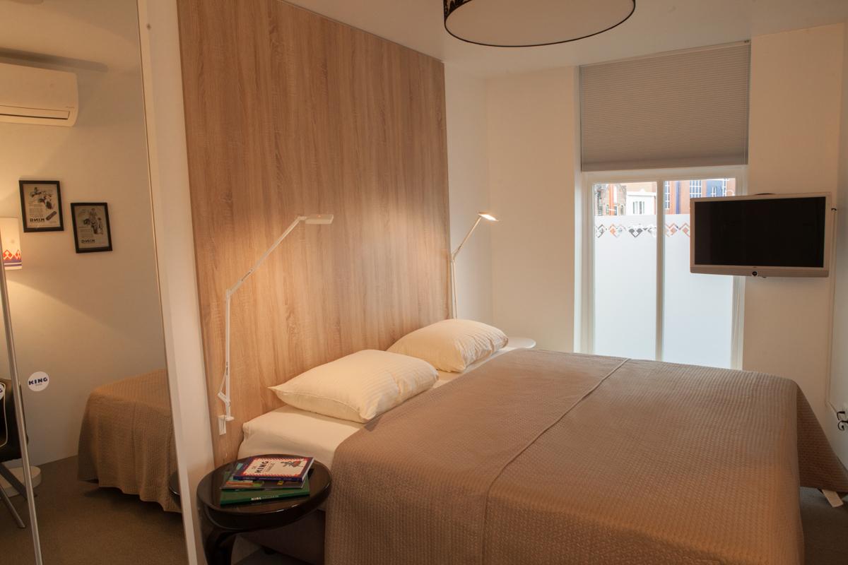 kamer 2 Stadslogement KingSize Sneek - bed